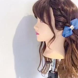 バレッタ ヘアアレンジ ヘアアクセ ナチュラル ヘアスタイルや髪型の写真・画像