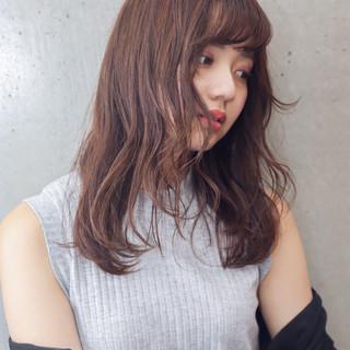 アッシュグレージュ ミディアム ブラウン ナチュラル ヘアスタイルや髪型の写真・画像