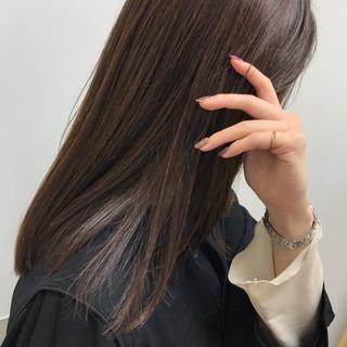 ミディアム ツヤ髪 大人女子 エレガント ヘアスタイルや髪型の写真・画像