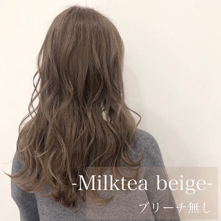 フェミニン ミルクティーアッシュ ミルクティーグレー ミルクティーベージュ ヘアスタイルや髪型の写真・画像
