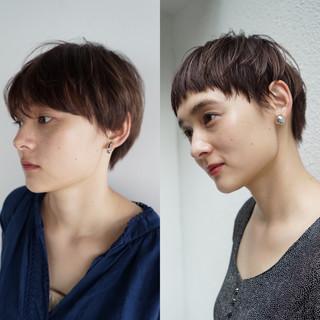 ショートボブ ナチュラル ボーイッシュ ショート ヘアスタイルや髪型の写真・画像