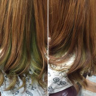 ストリート インナーカラー ロング ビビッドカラー ヘアスタイルや髪型の写真・画像