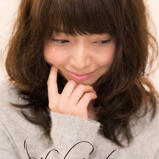 秋 エアリー コンサバ パーマ ヘアスタイルや髪型の写真・画像