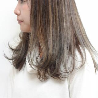 ナチュラル ハイライト ブリーチ セミロング ヘアスタイルや髪型の写真・画像