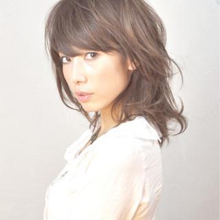 デジタルパーマ パーマ フェミニン ミディアム ヘアスタイルや髪型の写真・画像
