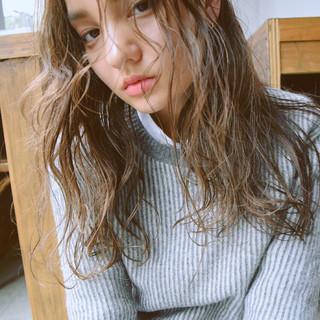アッシュ 冬 ハイライト セミロング ヘアスタイルや髪型の写真・画像