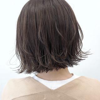 ゆる巻き ボブ ミニボブ 切りっぱなしボブ ヘアスタイルや髪型の写真・画像