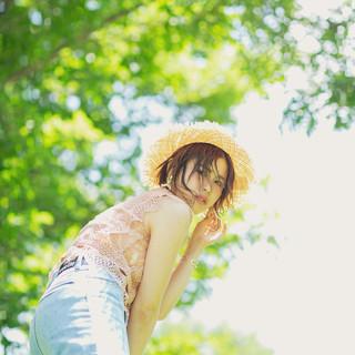 アンニュイほつれヘア デート 麦わら帽子 ボブ ヘアスタイルや髪型の写真・画像