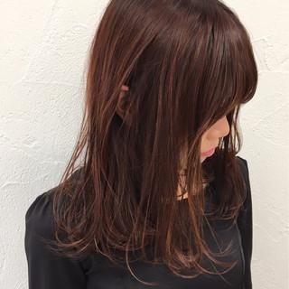 ベリーピンク ミディアム ストリート ピンク ヘアスタイルや髪型の写真・画像