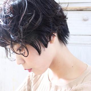 ゆるふわ ショート アッシュ 大人かわいい ヘアスタイルや髪型の写真・画像