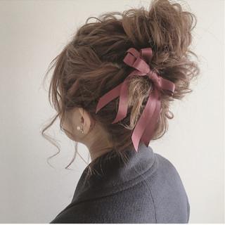 結婚式 ヘアアレンジ ナチュラル ガーリー ヘアスタイルや髪型の写真・画像 ヘアスタイルや髪型の写真・画像