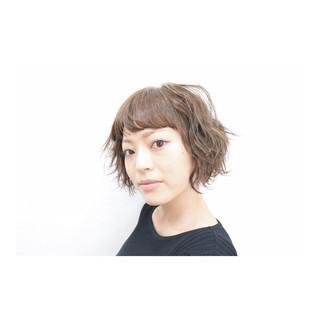 ハイライト 外国人風 前髪あり パーマ ヘアスタイルや髪型の写真・画像
