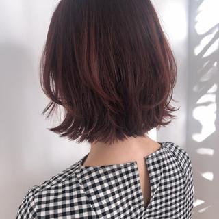 フェミニン インナーカラー ショートヘア ボブ ヘアスタイルや髪型の写真・画像