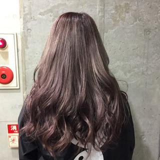 セミロング ストリート パーマ ピュア ヘアスタイルや髪型の写真・画像