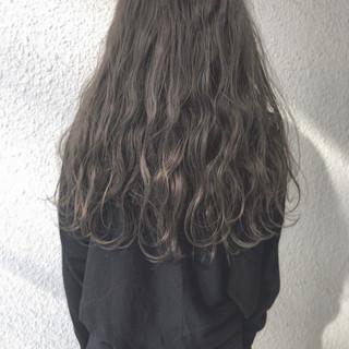 オフィス 前髪あり 色気 ロング ヘアスタイルや髪型の写真・画像