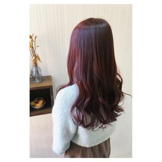 チェリーピンク ブリーチ ボルドー フェミニン ヘアスタイルや髪型の写真・画像