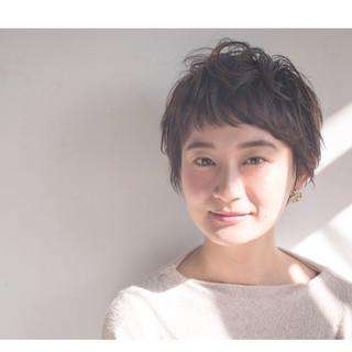 モード パーマ ナチュラル ショート ヘアスタイルや髪型の写真・画像