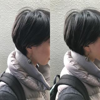 暗髪 ゆるふわ アッシュ 前髪あり ヘアスタイルや髪型の写真・画像