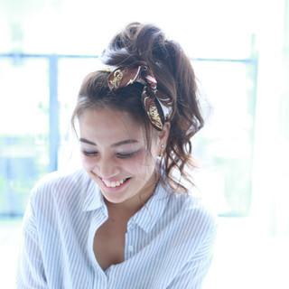 ヘアアレンジ フェミニン ピュア バンダナ ヘアスタイルや髪型の写真・画像 ヘアスタイルや髪型の写真・画像