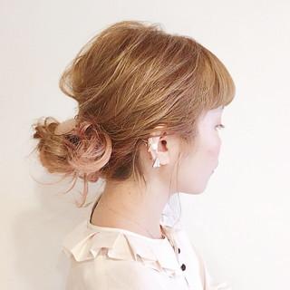 フェミニン ベージュ 簡単ヘアアレンジ ピンク ヘアスタイルや髪型の写真・画像