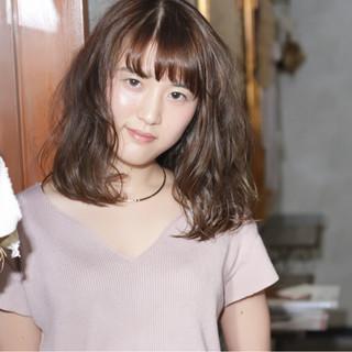リラックス デート フェミニン 秋 ヘアスタイルや髪型の写真・画像