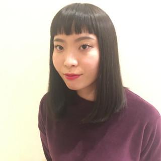 個性的 ミディアム ワイドバング モード ヘアスタイルや髪型の写真・画像