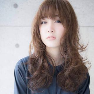 大人かわいい レイヤーカット ロング 前髪あり ヘアスタイルや髪型の写真・画像