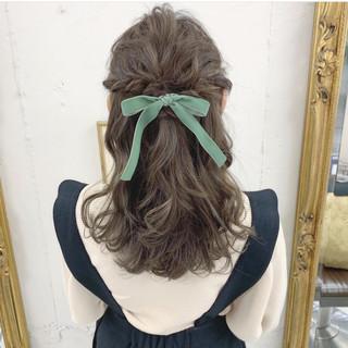 フェミニン ロング 簡単ヘアアレンジ お出かけヘア ヘアスタイルや髪型の写真・画像
