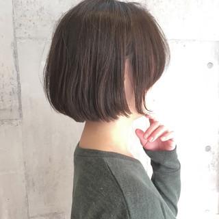 大人女子 ショートボブ 切りっぱなし ボブ ヘアスタイルや髪型の写真・画像