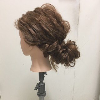 パーティ ヘアアレンジ ゆるふわ ナチュラル ヘアスタイルや髪型の写真・画像