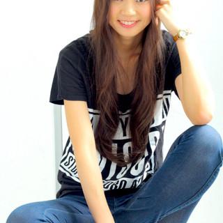 ロング フェミニン アッシュ 外国人風 ヘアスタイルや髪型の写真・画像