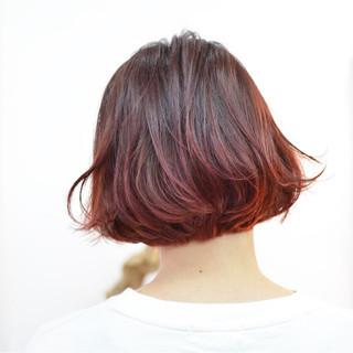 リラックス モード ピンク ボブ ヘアスタイルや髪型の写真・画像