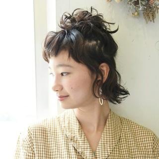リラックス ヘアアレンジ 前髪あり ショート ヘアスタイルや髪型の写真・画像
