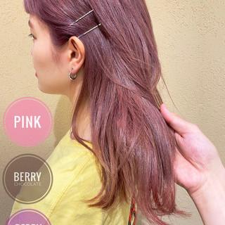 ピンク 春色 ブリーチ ミディアム ヘアスタイルや髪型の写真・画像