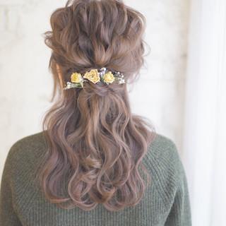 ヘアアレンジ ショート ハーフアップ 外国人風 ヘアスタイルや髪型の写真・画像