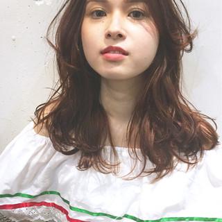 ゆるふわ くせ毛風 シースルーバング 外国人風 ヘアスタイルや髪型の写真・画像
