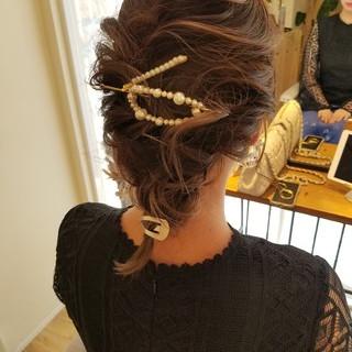 ガーリー セミロング 結婚式ヘアアレンジ 簡単ヘアアレンジ ヘアスタイルや髪型の写真・画像