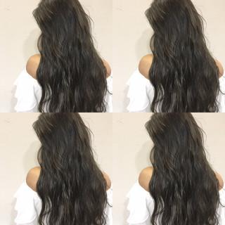 暗髪 外国人風 ロング 波ウェーブ ヘアスタイルや髪型の写真・画像