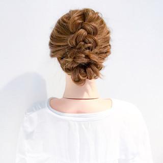 編み込み 謝恩会 大人女子 フェミニン ヘアスタイルや髪型の写真・画像