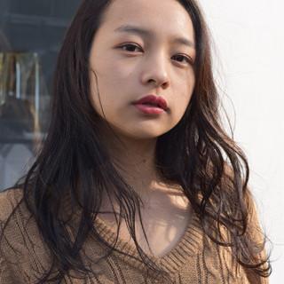 黒髪 外国人風 ニュアンス パーマ ヘアスタイルや髪型の写真・画像