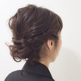 ナチュラル ミディアム アッシュベージュ 成人式 ヘアスタイルや髪型の写真・画像