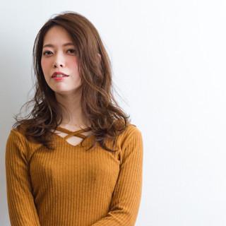 秋山友美/Buzzさんのヘアスナップ