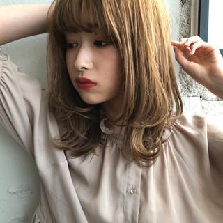 インナーカラー 極細ハイライト 大人ミディアム ナチュラル ヘアスタイルや髪型の写真・画像