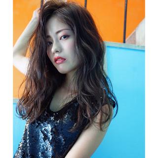 外国人風 ロング フェミニン かっこいい ヘアスタイルや髪型の写真・画像