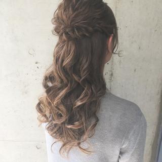 セミロング ガーリー パーティ 結婚式 ヘアスタイルや髪型の写真・画像