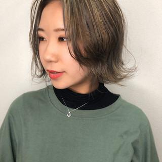 ストリート カーキアッシュ ミニボブ ショートヘア ヘアスタイルや髪型の写真・画像