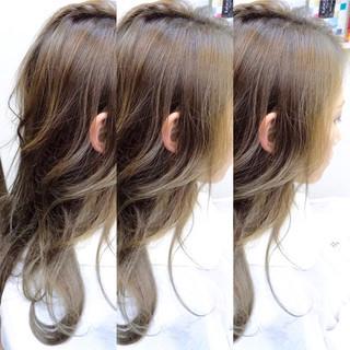 グラデーションカラー ロング ハイライト ゆるふわ ヘアスタイルや髪型の写真・画像