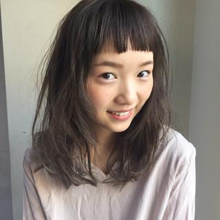 前髪あり アッシュ ナチュラル ニュアンス ヘアスタイルや髪型の写真・画像 ヘアスタイルや髪型の写真・画像