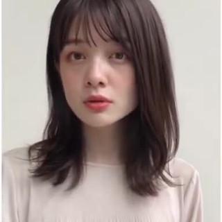 ミディアムヘアー レイヤーカット フェミニン 鎖骨ミディアム ヘアスタイルや髪型の写真・画像