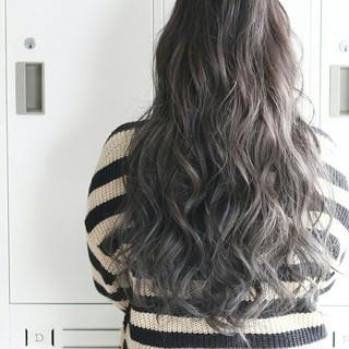 大人かわいい ロング バレイヤージュ グラデーションカラー ヘアスタイルや髪型の写真・画像